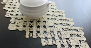Crochet table runner, cream crochet placemat, wedding centerpiece, lace gift, ivory lace doily, Ready to ship