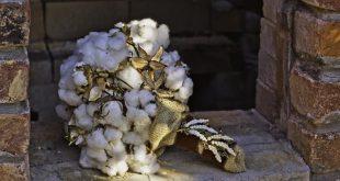 Bride's cotton bouquet with antique brooch 2019 Bride's cotton bouquet...
