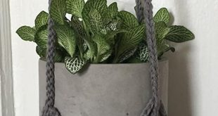 HAND MADE häkeln Pflanze Kleiderbügel - 32 lang Grauer Baumwoll-Garn Maßarbei...