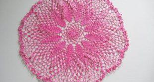 ON SALE Hand Dyed Vintage Doily Set / Fuchsia cotton / set of 4 / Bridal or wedding decoration / Upc